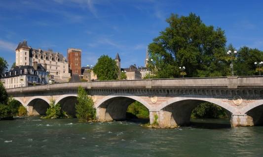 chateau de Pau pont 14 juillet gave