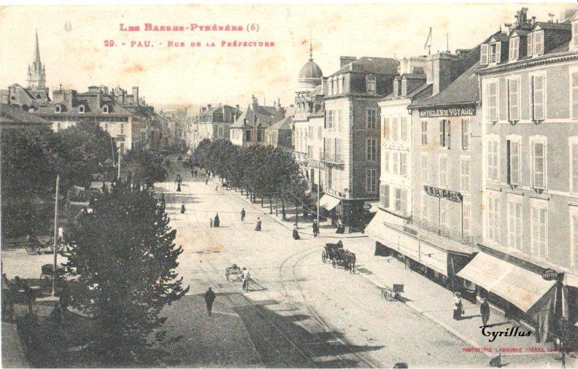 1385195592-Pau-rue-Pre-fecture