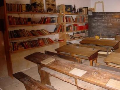 Reconstitution d'une salle de classe du XIXe siècle