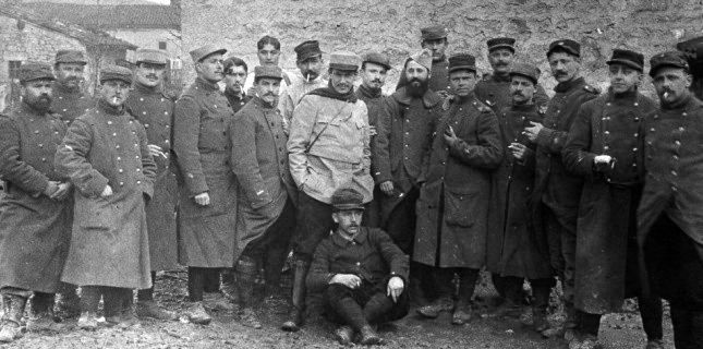 Pergaud-1915_au centre_la_veille_de_sa_mort.jpg
