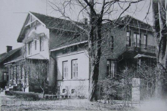 Maison à Szczuki où a travaillé Marie Curie. Source : http://tygodnikprzasnyski.com.pl
