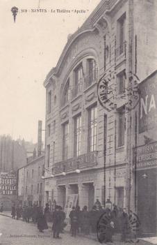 Ancien théâtre Apollo. Source : https://www.delcampe.net