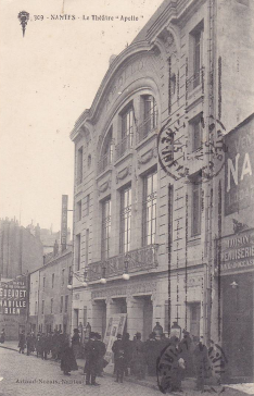 Ancien théâtre Apollo. Source : https://www.delcampe.net